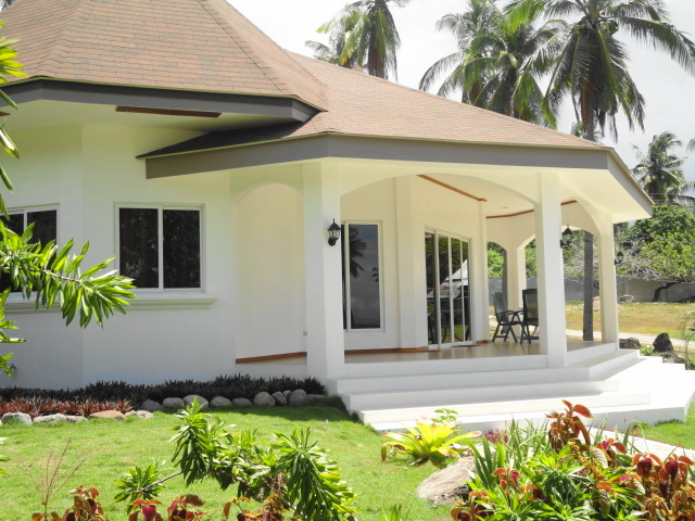 beach house for rent located in the resort town of Dauin ...